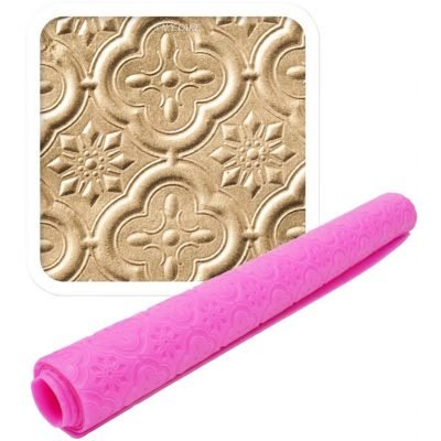 Ny Cake Quatrefoil Impression Mat By Lisa Mansour Pink - NY315