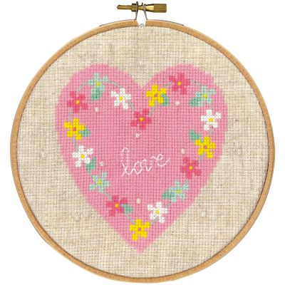 Love On Aida Counted Cross Stitch Kit 5.8
